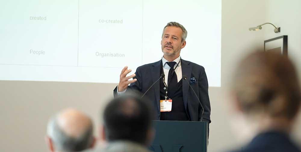 Dr. Régis Lemmens